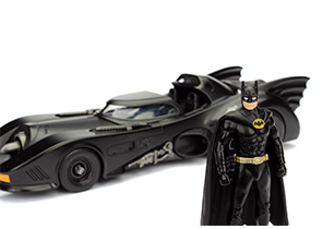 Batman 1989 Batmobile with Figure 1:24