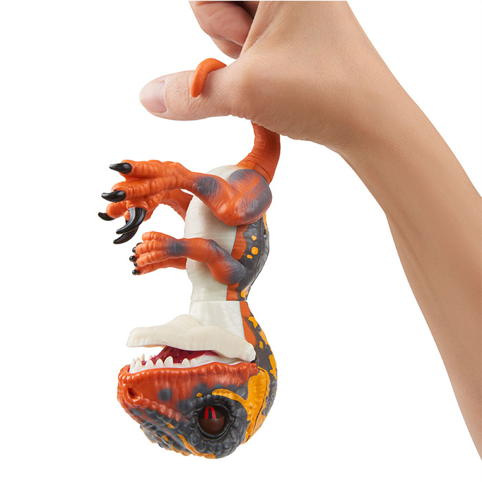 Fingerlings Untamed Dino Velociraptor Fingerlings