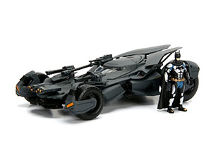 Justice League Batmobile & Batman Figure 1:24